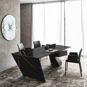 Pracovní stůl z keramiky